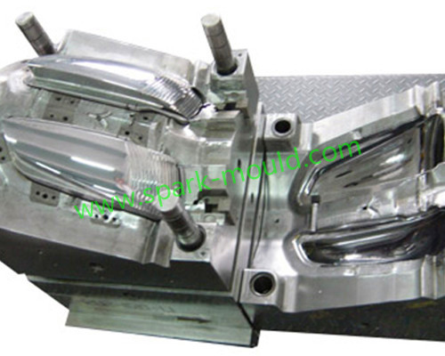 Auto lamp injection mold