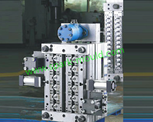Automatic motor oil cylinder plastic tooling